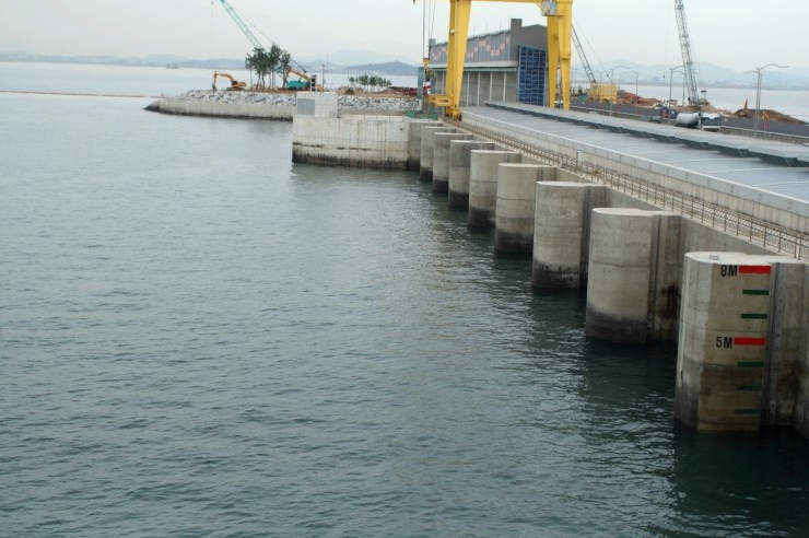 Sihwa Lake Tidal Power Station, located in Gyeonggi Province, South Korea, is the world's largest tidal power installation, with a total power output capacity of 254 MW.